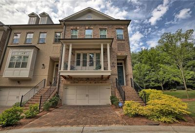 813 Canterbury Overlook Atlanta GA 30324