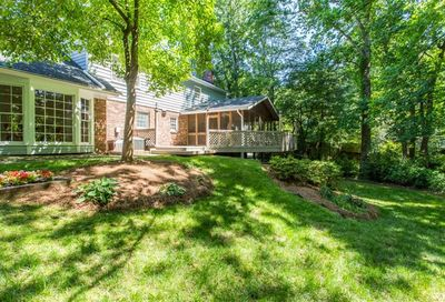 1633 Wellshire Lane Dunwoody GA 30338
