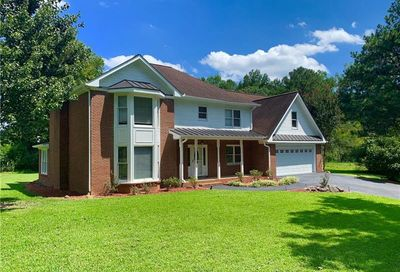 2156 Fairway Circle Duluth GA 30096