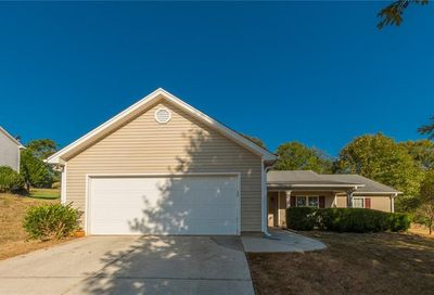 352 Royal Oaks Drive Winder GA 30680