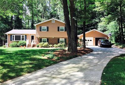 1268 Mill Glen Drive Dunwoody GA 30338