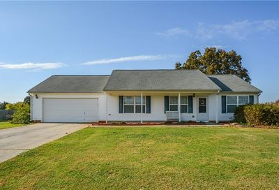 1227 Clearwater Drive Winder GA 30680