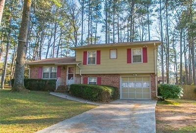 1584 Avon Avenue Tucker GA 30084