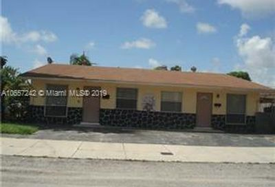 300 NW 57th St Oakland Park FL 33309