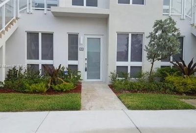 10255 NW 63rd Ter Doral FL 33178