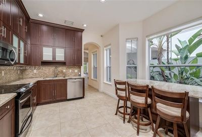 942 Harbor View South Hollywood FL 33019