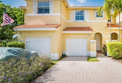 10964 NW 43rd Ter Doral FL 33178