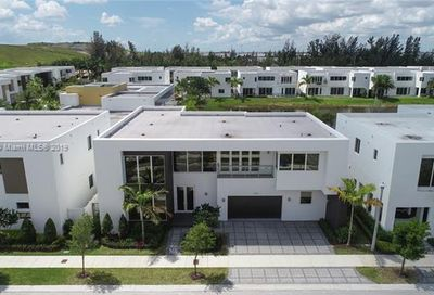 10230 NW 75th Ter Doral FL 33178