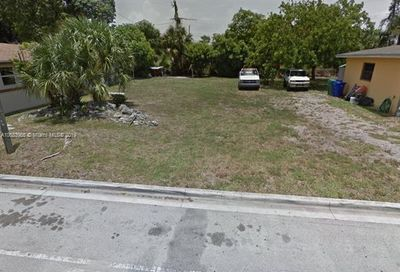 2725 NW 7 Ct Fort Lauderdale FL 33311