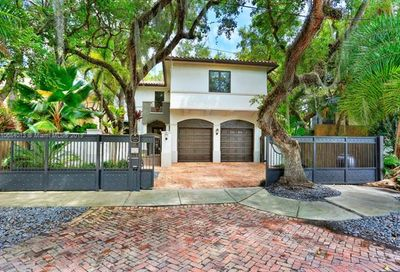 2454 Tigertail Ave Coconut Grove FL 33133