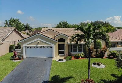 8811 NW 44th Ct Coral Springs FL 33065