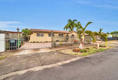605 SW 104th Ave Sweetwater FL 33174