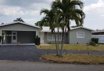 3340 NE 17th Way Oakland Park FL 33334
