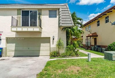 2966 NW 89th Ter Coral Springs FL 33065