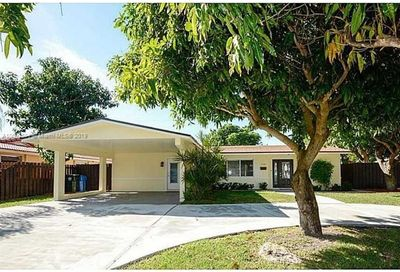 3341 NE 17th Way Oakland Park FL 33334