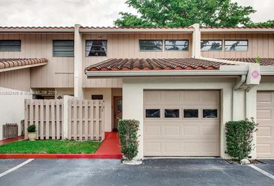 8753 NW 35th St Coral Springs FL 33065