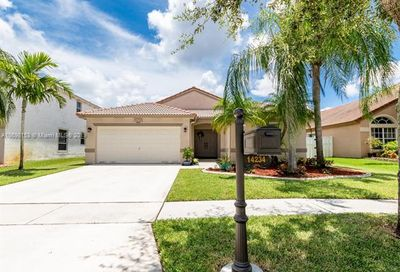 14234 NW 18th Ct Pembroke Pines FL 33028