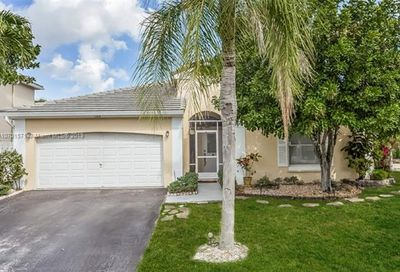 5202 NW 54th Ave Coconut Creek FL 33073