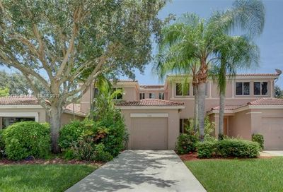 1734 SW 109th Ter Davie FL 33324