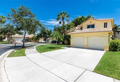 14262 N Royal Cove Cir Davie FL 33325