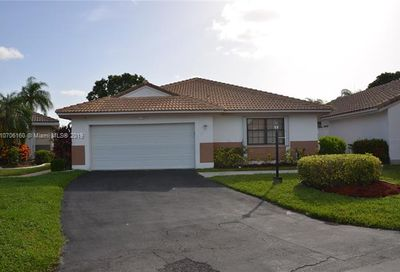 5921 Newcastle Ln Davie FL 33331