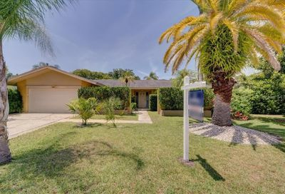 2686 Clubhouse Drive S Clearwater FL 33761
