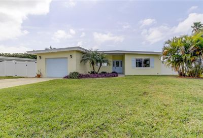 11460 6th Street E Treasure Island FL 33706