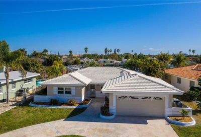 11425 5th Street E Treasure Island FL 33706