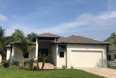 1623 New Point Comfort Road Englewood FL 34223