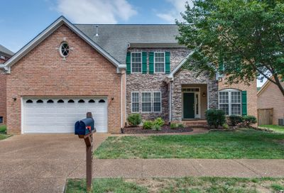 8460 Beautiful Valley Dr Nashville TN 37221