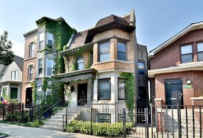 1128 W Addison Street Chicago IL 60613