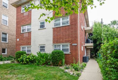 2065 W Farwell Avenue W Chicago IL 60645