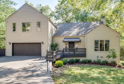 512 Harpeth Oaks Ct Nashville TN 37221