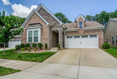 1961 Stonewater Dr Hermitage TN 37076