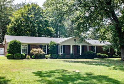 1715 Country Club Dr Tullahoma TN 37388