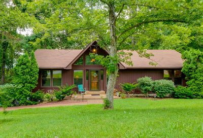 254 Harpeth Hills Dr Kingston Springs TN 37082