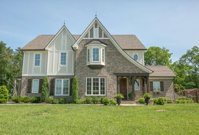 302 Old Orchard Dr Lascassas TN 37085