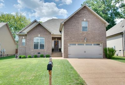 1090 Golf View Way Spring Hill TN 37174