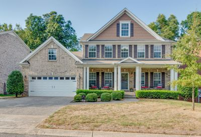 320 Forest Bend Dr Mount Juliet TN 37122