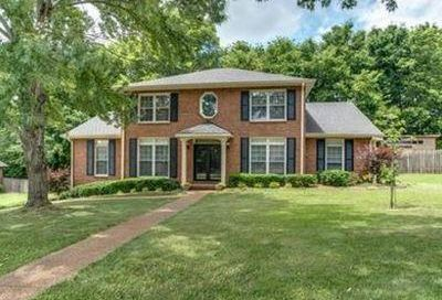 220 Pebble Glen Dr Franklin TN 37064