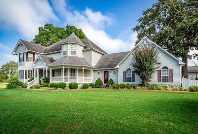 194 Twin Lakes Dr McMinnville TN 37110