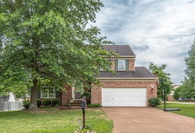 401 Preakness Dr Thompsons Station TN 37179