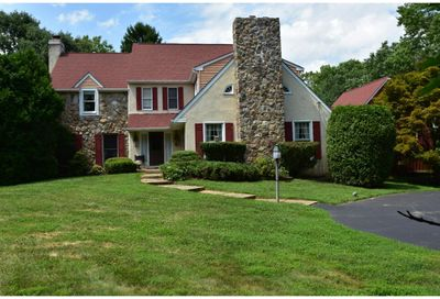 7 SMEDLEY DR Newtown Square PA 19073