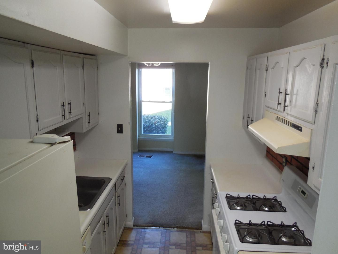 786 West Side Drive 9-H
