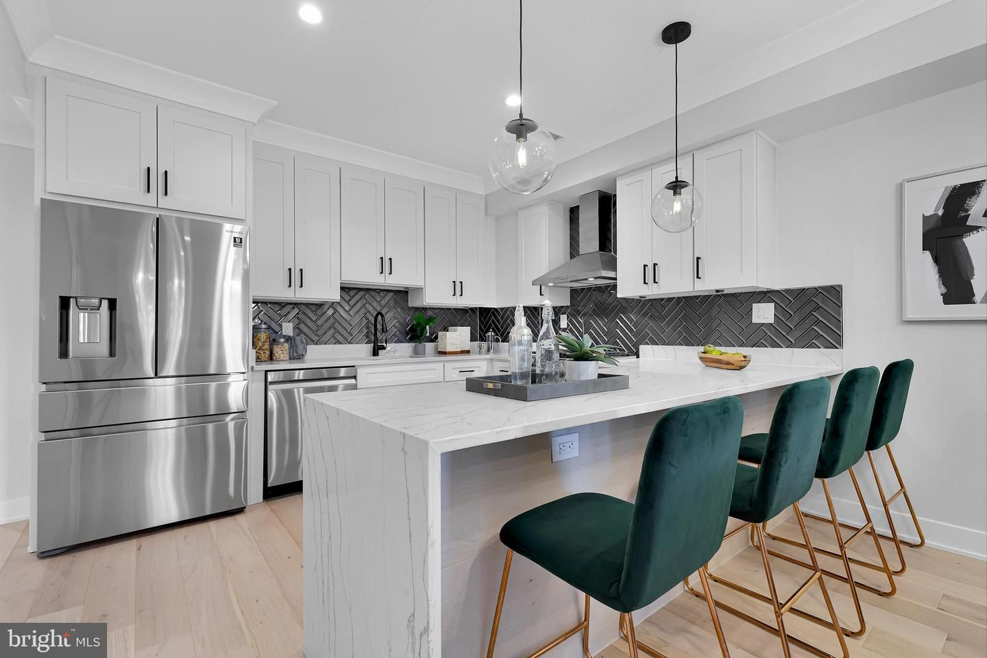 637 Irving Street NW Penthouse