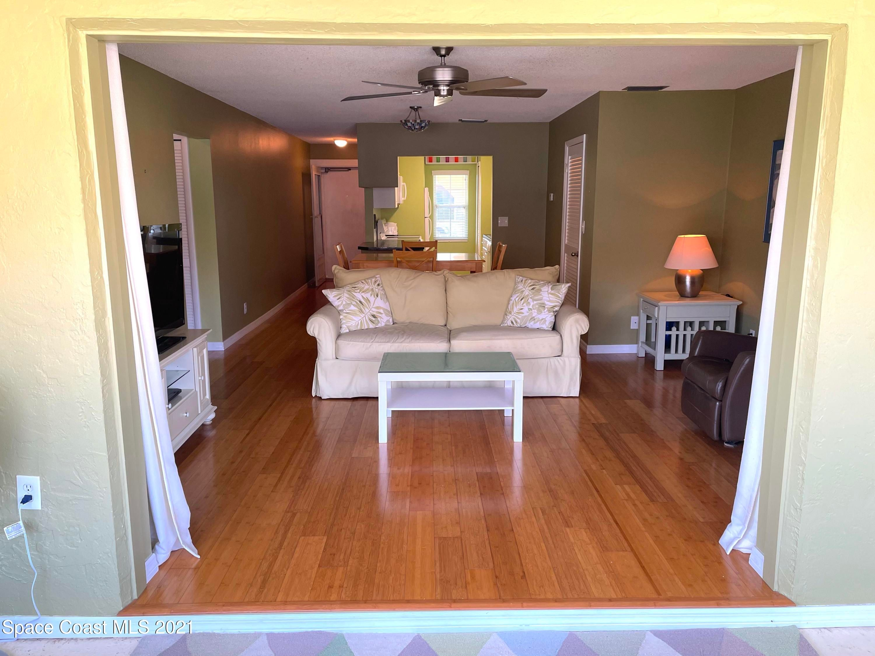 1047 Small Court