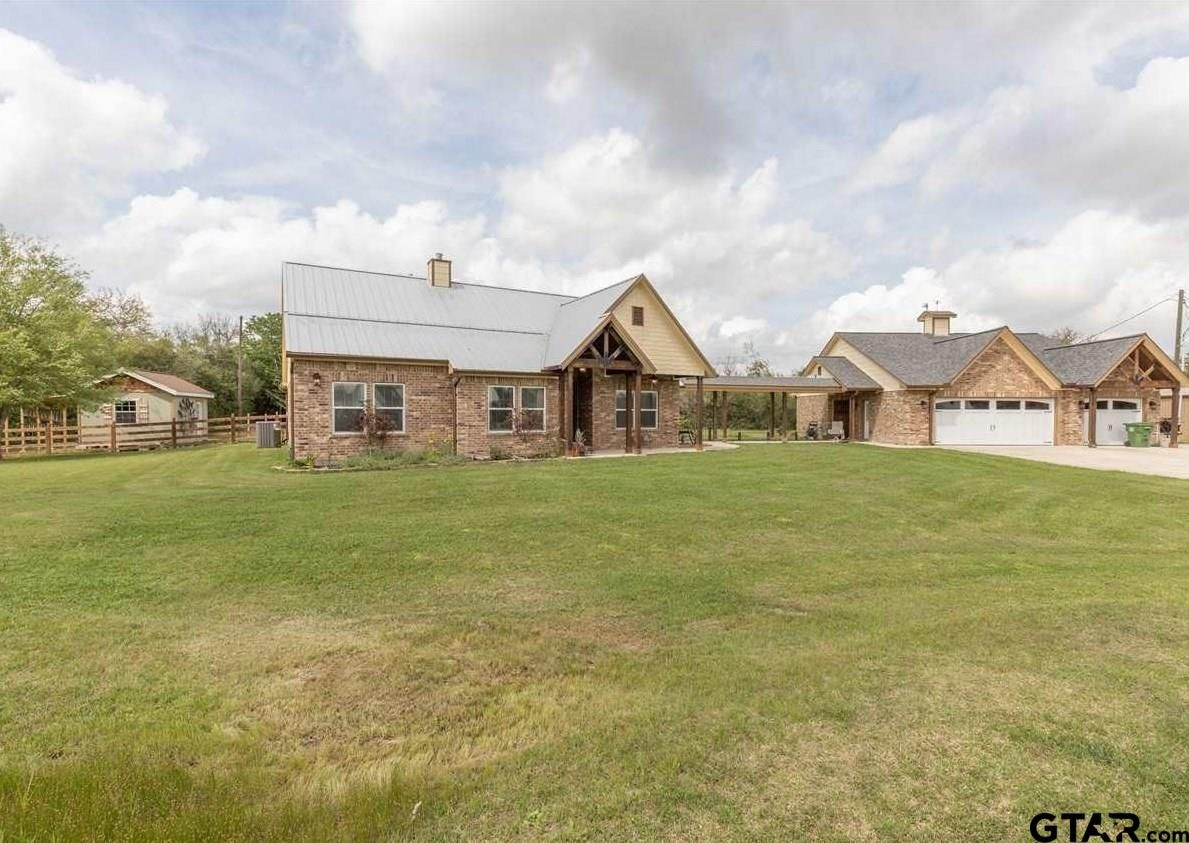 82 County Road 4867