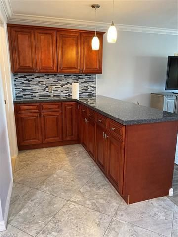1727 Lakeview Ter