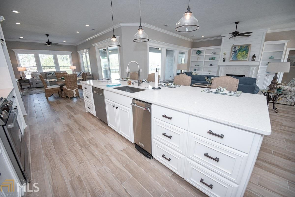 232 Fiddlers Cove Dr