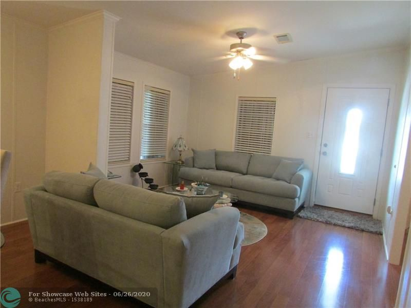 160 NW 53rd St